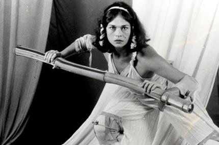 12 Trabalhos de Hércules, trabalho solo resultante da Bolsa Vitae de Artes para pesquisa, direção, coreografia e atuação